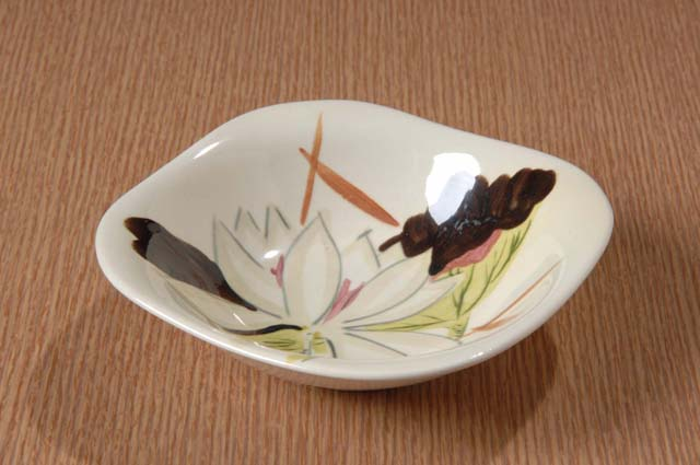 Red Wing Potteries, Inc. Concord line/Lotus pattern cereal bowl