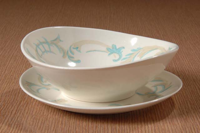 Red Wing Potteries, Inc. Futura line/Frontenac pattern cereal bowl