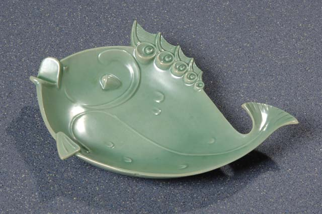 Red Wing Potteries, Inc. #1585 fish ash tray