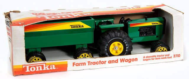 Tonka Toys farm tractor and wagon. Creation: Exactly 1985.