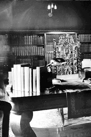 Desk in library of Frank B. Kellogg's home, 633 Fairmount, St. Paul.