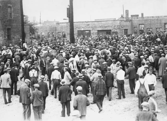 Labor unrest during truckers' strike, Minneapolis, 1934