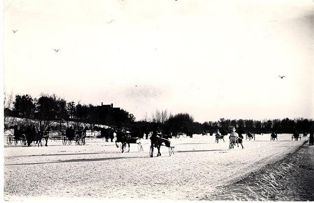 Buggies, Sulkies, cutters on the ice. (Probably a Minneapolis Lake).