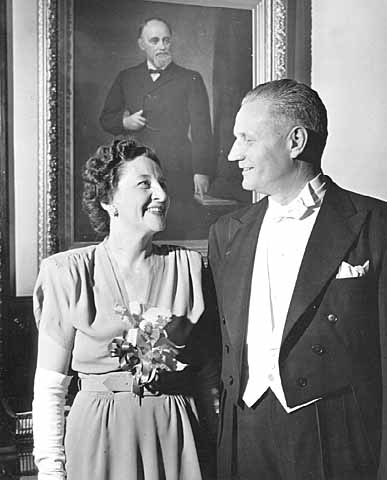 Luther Youngdahl and his wife Irene dressed for inauguration festivities, 1947