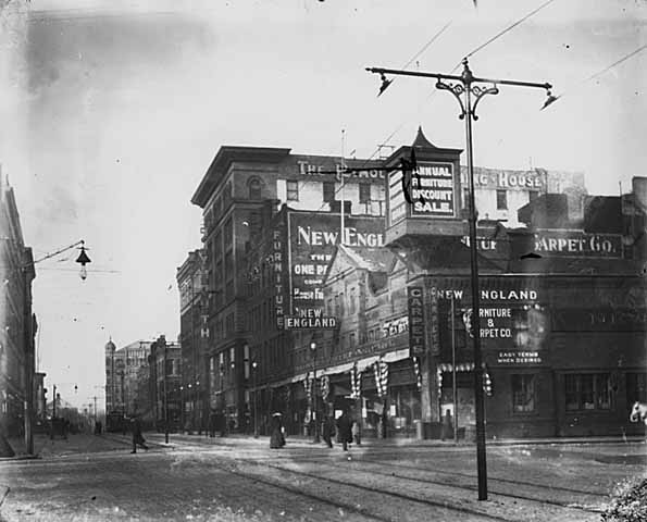 Looking north along Sixth Street South from Marquette (First Avenue South), Minneapolis.
